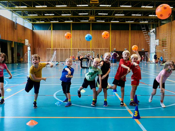 start to handball